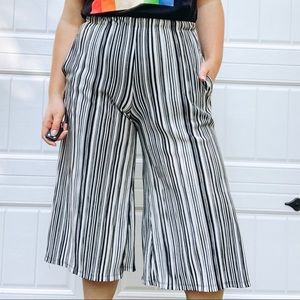 Striped culottes black and white